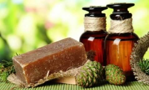 Copaiba-Essential-Oil-Health-BenefitsUsesProperties