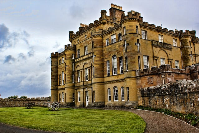 Culzean Castle. Pic credit: Rebel2i2011 on Flickr Creative Commons.