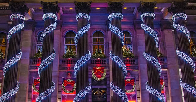 Edinburgh at Christmas. Pic credit: Graham Campbell, Creative Commons.