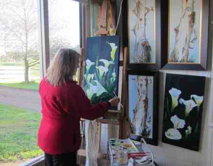 judy-mackintosh-working-in-her-studio