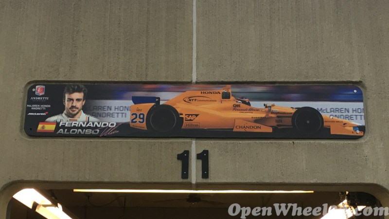 Garage Signs of the 101st Running of the Indianapolis 500 Mile Race - 2017 IMS GARAGE SIGN CAR 29