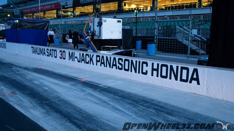 Pit Wall Signs - 2019 103rd Running of the Indianapolis 500 Mile Race - 2019 INDYCAR LIVERIES INDY500 PIT WALL No. 30