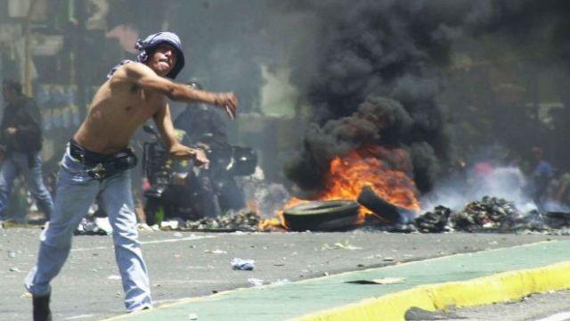 riot-venezuela-latino