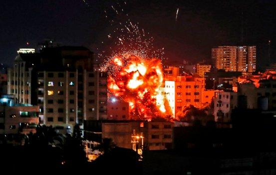 ISRAEL UNDER ATTACK: Red alerts reach Tel Aviv; Schools closed; Jihad declares war; & Syria hit