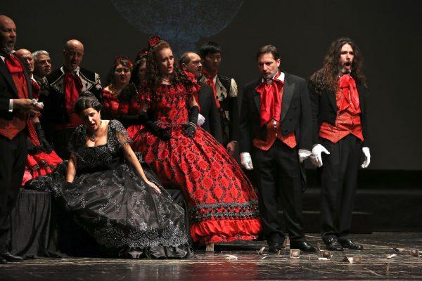 """Locarno Opera & Ballet """"La Traviata"""". © Ph. Carla Moro & Aurelio Dessì."""
