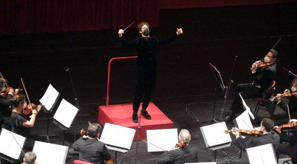 Milano - Teatro alla Scala: Concerto di Lorenzo Viotti ...