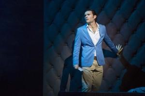 Michael Fabiano: als Alfredo in der neuen Glyndebourne-Produktion 2014/Foto Richard Hubert Smith