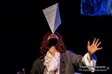 operaMasNada_magdaclan circo_ orchestra senzaspine_ contemporary _ circus_ italy_classical music - credits Daniele Aversano