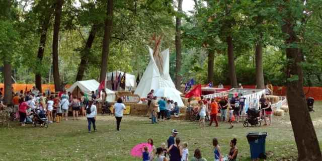 johnny appleseed festival historic village