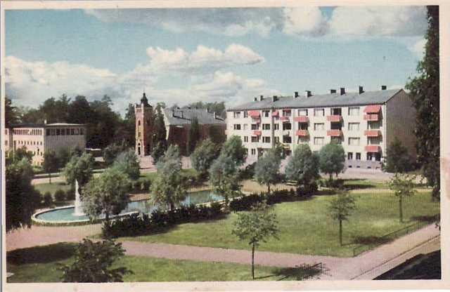 Bassängen i Malmtorgsparken och Tingshuset i Klara
