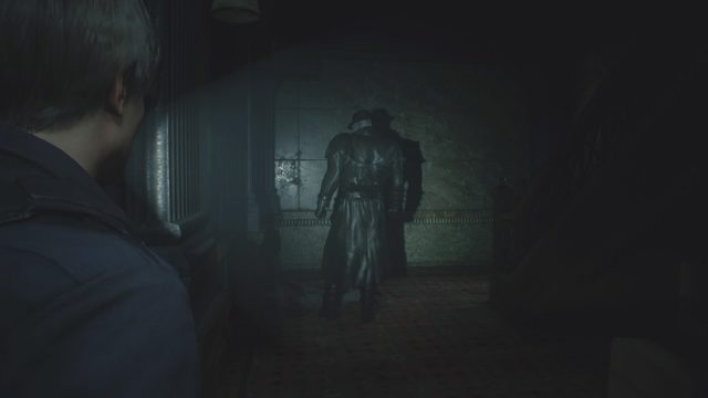 Resident Evil 2 | Sneaking past Mr. X