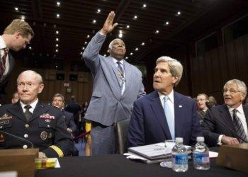 Комитет сената США разрешил бомбить Сирию