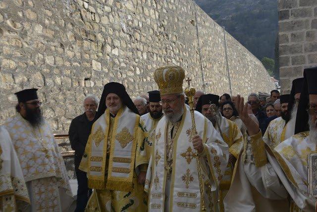 Блаженнейший Архиепископ Кипрский Хризостом и представитель Фанара митрополит Елпидофор