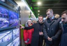 Кличко проверил обновленную станцию скоростного трамвая / фото kiev.klichko.org