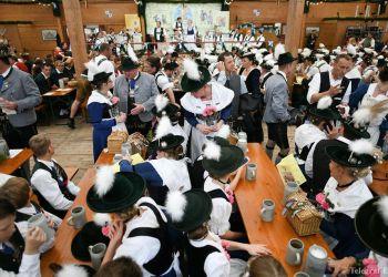 """""""Октоберфест 2019"""": Германия продолжает гулянья на фестивале пива (Фото, Видео)"""