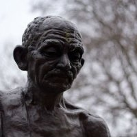 ДВА ПИСЬМА ГИТЛЕРУ. Махатма Ганди. Поразительное сочетание смирения и достоинства