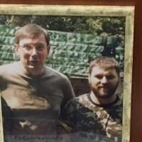 В офисе убийцы полицейских в Днепре нашли фото, на котором он позирует вместе с генпрокурором Юрием Луценко