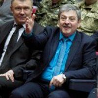 Уволенные  с должности прокурор Запорожской области и  его замы судятся с Луценко, занимают кабинеты и бездельничают