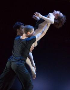 Alexandre Simões, Martin Chaix, Camille Andriot - Foto Gert Weigelt - Deutsche Oper am Rhein