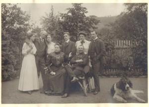 Familie von Schuch in ihrem Garten in der Lößnitz, um 1910; Privatbesitz, Saarbrücken