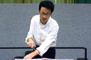 Der Dirigent Motonori Kobayashi / Foto @Paul Galke -Probensaal Theater Dortmund 2014