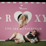 """""""Roxy und ihr Wunderteam"""" / Emily Newton und Lucian Krasznec / Foto: Björn Hickmann / Stage Picture"""