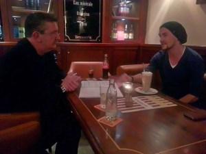 Alexander Klaws im Gespräch mit Detlef Obens- DAS OPERNMAGAZIN (Foto Basia Kuznik)