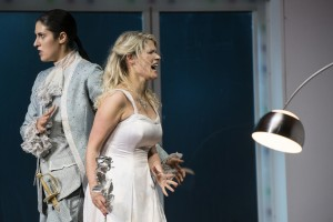 Der Rosenkavalier. Ileana Mateescu (Octavian). Ashley Thouret (Sophie). Foto.Thomas Jauk . Stage Picture.jpg