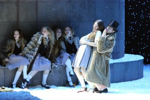 """Szenenfoto zu """"Faust"""" (Foto: Ursula Kaufmann; Probenfoto der Deutschen Oper Berlin)"""