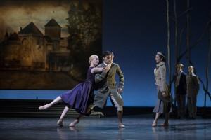 Ballett im Revier: SCHWANENSEE / Foto @ Sebastien Galtier