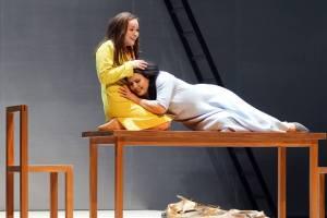 Alfia Kamalova als Adalgisa und Hrachuhí Bassénz als Norma