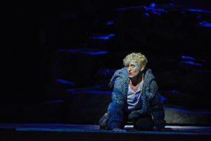 """Tamara Weimerich als Birk in """"Ronja Räubertochter"""" / Oper Dortmund / Foto@ Björn Hickmann"""