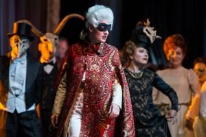 Tamara Weimerich als Oscar in der Oper Un ballo in maschera / Oper Dortmund / Foto@ Thomas M. Jauk / Stage Picture