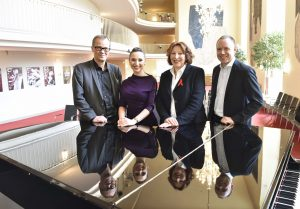 Prof. Christoph Meyer, Maria Kataeva, Prof. Dr. med. Elisabeth Pott, Dr. Volker Mertens FOTO: Paul Esser