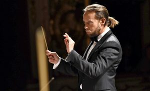 Dirigent Matteo Beltrami (Foto: Roberto Ricci)