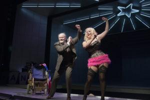 Oper Dortmund_ANNA NICOLE_Ks Hannes Brock_Emily Newton_Foto Thomas Jauk