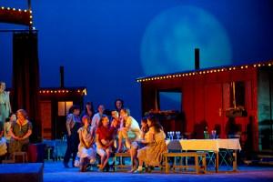 DER LIEBESTRANK, Deutsche Oper Berlin, Premiere am 25. April 2014, copyright: Monika Rittershaus