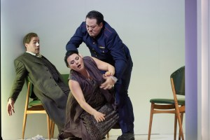 Fritz Steinbacher (Rodrigo), Almerija Delic (Emilia), Sangmin Lee (Jago) ©Thomas Jauk, Stage Picture