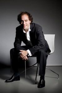 Otto Tausk, conductor Photo: Marco Borggreve