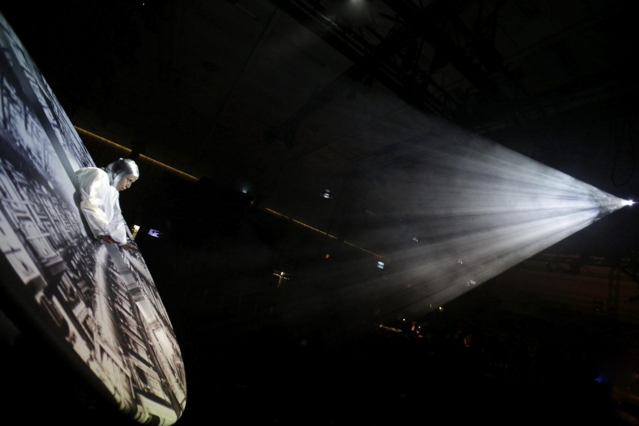 Oper Köln / DAS LIED DER FRAUEN VOM FLUSS/ Adriana Bastidas Gamboa (Faust / Fausta)/Foto © Paul Leclaire