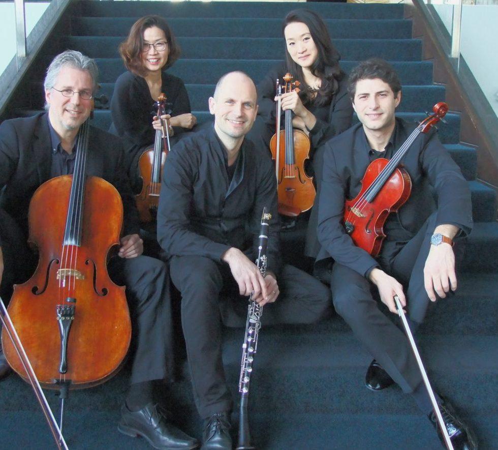 Das Ensemble des 4. Kammerkonzertes: hinten Shinkyung Kim und Joowon Park; vorn Markus Beul, Martin Bewersdorff und Hindenburg Leka