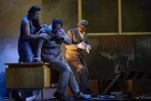 Almerija Delic (Fenena), Sangmin Lee (Nabucco), Fritz Steinbacher (Abdallo) ©Thonas Jauk, Stage Picture