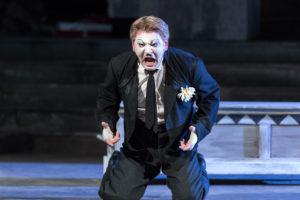 Oper Leipzig/ Pagliacci/ Canio (Zoran Todorovich)/ © Tom Schulze