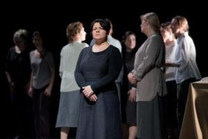 Dialogues des Carmélites/Theater Aachen/ Irina Popova, Damen des Opern- und Extrachor Aachen/Foto @ Ludwig Koerfer