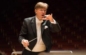 Tomáš Netopil, Dirigent des 1. Sinfoniekonzertes (Foto: Saad Hamza)
