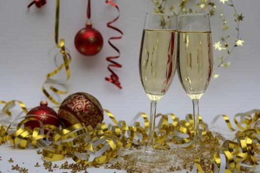 Flutes de champagnes et cotillons