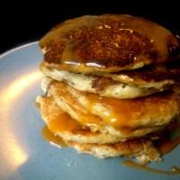 Sunde pandekager med havregrød og banan