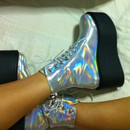 Holography shoes