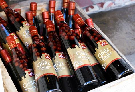 ginginha_liquor_bottles