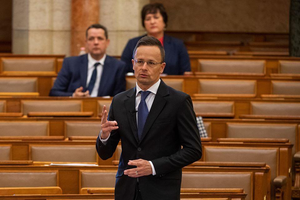 Ministrul de externe al Ungariei, Péter Szijjártó: De îndată ce etnicii maghiari din Transcarpatia vor spune că s-a rezolvat problema educației și drepturile lingvistice, noi nu vom mai bloca reuniunile Consiliului NATO-Ucraina